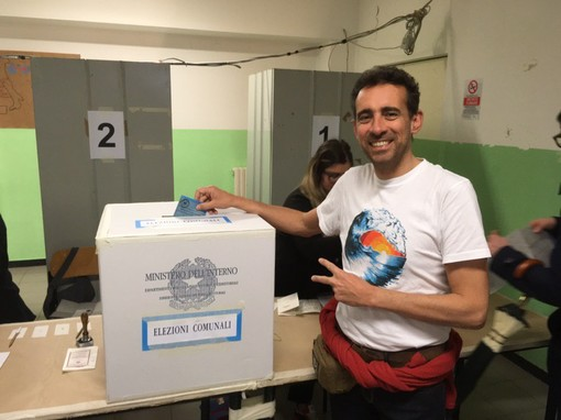 Varazze, il candidato sindaco Massimo Lanfranco ha votato