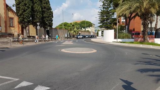 Loano, ultimato l'ampliamento dell'imboccatura di via dei Gazzi
