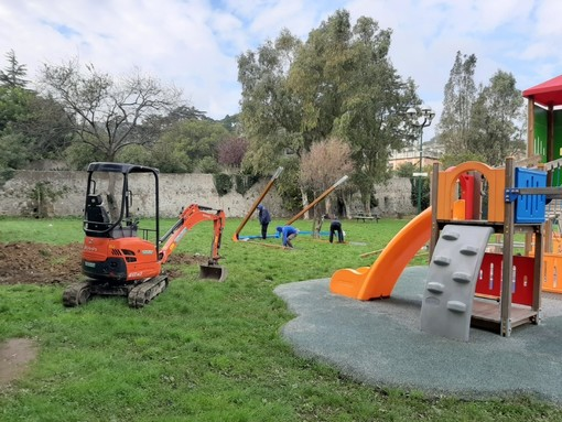Albissola Marina, al Parco Faraggiana è arrivata la teleferica: un nuovo gioco per ragazzi fino ai 14 anni (FOTO)