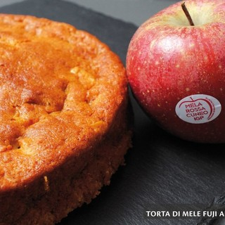 MercoledìVeg di Ortofruit: oggi prepariamo la torta di mele Fuji all'acqua