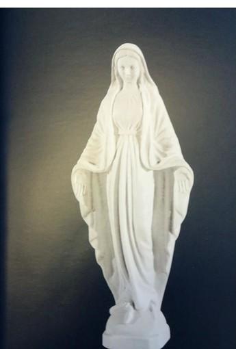Festa dell'Immacolata: la Compagnia di San Pietro dona una nuova statuetta della Madonna per lo scoglio del Mombrino a Finale