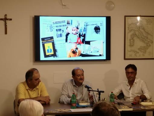"""Giustenice: successo per la presentazione di """"Uomini o mantidi?"""", il libro del magistrato Maurizio Picozzi sulla """"vicenda Guerinoni"""" (FOTO)"""
