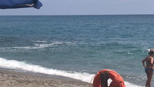 Mare sporco: pomeriggio di disagi a Borgio Verezzi (FOTO)