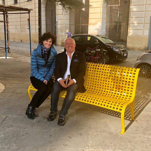 """Savona: una panchina gialla per dire """"No"""" a bullismo e cyberbullismo"""