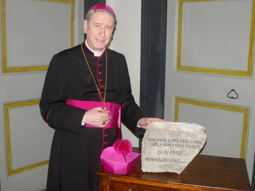 Diocesi di Albenga, Papa Francesco licenzia Monsignor Olivieri