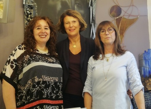 Nella foto, da sinistra a destra: Elena Capra, Mariapia Di Matteo e Gabriella Rosso