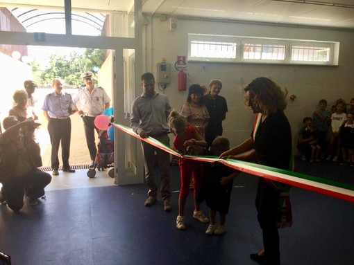 """Vado, inaugurata la nuova sala polivalente della scuola primaria """"G. Bertola"""" (FOTO e VIDEO)"""