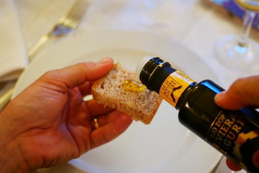 Il nuovo Patto di Filiera dell'olio DOP Riviera Ligure aggiorna i prezzi per le olive e l'olio sfuso