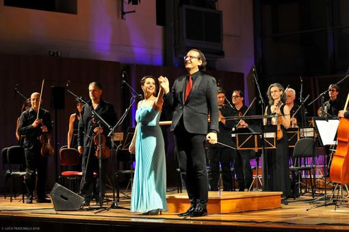 L'Orchestra Sinfonica di Sanremo e il Soprano Gabriella Costa  a Marina di Varazze con Tributo a Mina