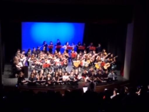 Cairo Montenotte: concerto degli allievi del corso di strumento musicale inaugura i saggi di fine anno scolastico con l'orchestra giovanile