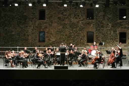 Savona, l'Orchestra Sinfonica di Sanremo sul palco della Fortezza del Priamar
