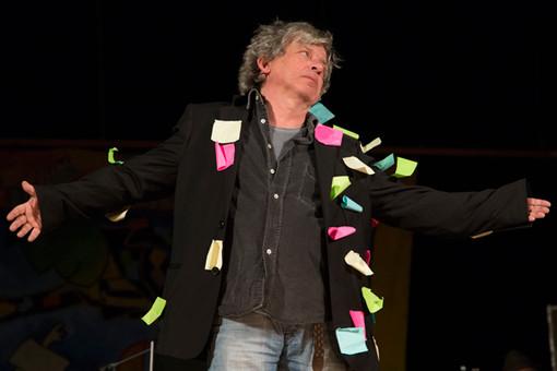 """A Pietra Ligure """"Arlecchino"""" con Paolo Rossi al Teatro Moretti"""