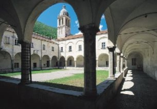 """La """"Camminata tra gli Olivi"""" arricchisce la domenica di eventi a Pieve di Teco"""