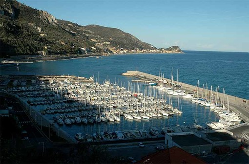 """Finale, la minoranza: """"Vogliamo chiarezza sui canoni per i diportisti del porto di Capo San Donato"""""""