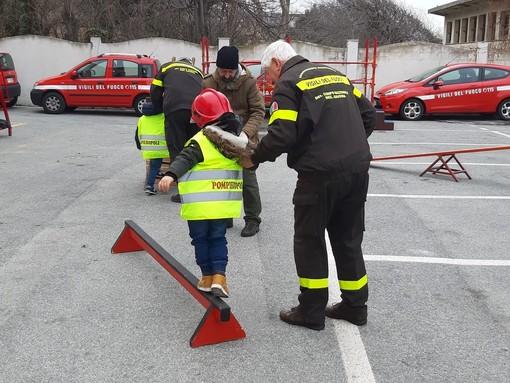 Savona, vigili del fuoco per un giorno: Pompieropoli conquista i bambini (FOTO e VIDEO)