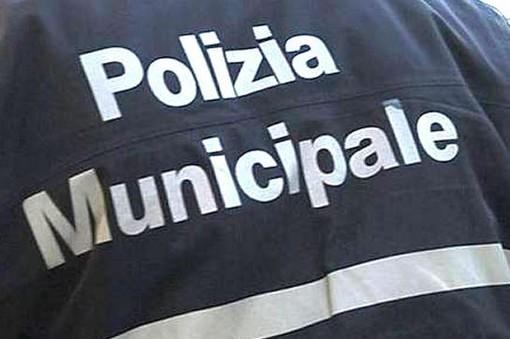 Loano, l'Autoscan della polizia municipale pizzica cinque veicoli sprovvisti di revisione obbligatoria