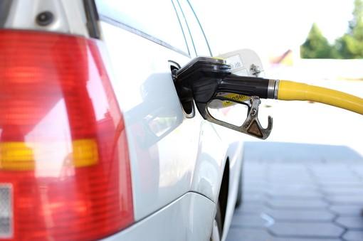 Regione Liguria elimina imposta regionale sulla benzina
