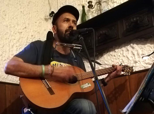 Ricky Avataneo, eclettico artista atteso sabato nel centro langarolo