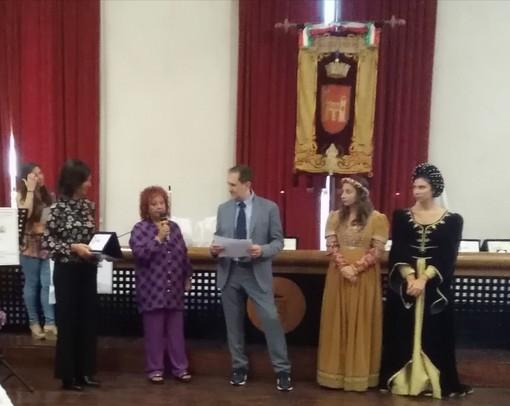 La scrittrice savonese Renata Rusca Zargar premiata ad Ascoli Piceno