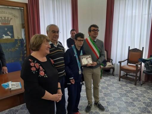 Albisola celebra in comune l'argento di Simone Salvo agli Special Olympics (FOTO e VIDEO)