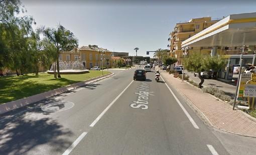 """Proseguono i lavori di asfaltatura """"in notturna"""" a Pietra Ligure"""