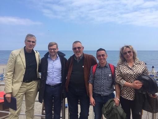 Elezioni Pietra, ieri la visita del sottosegretario Simone Valente al candidato del M5S Paolinelli Devincenzi