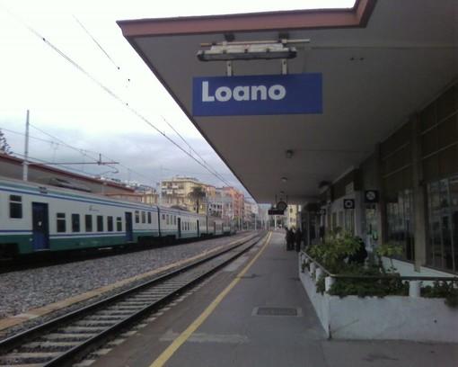 """Loano, """"eroe per caso"""" salva una persona da sotto il treno"""