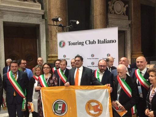 Castelvecchio di Rocca Barbena,Toirano e Sassello conquistano la bandiera arancione per il turismo