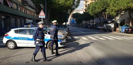Savona, senza mascherina in via De Amicis: sanzionato dalla polizia locale