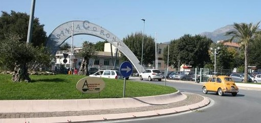 Borghetto, cade con la moto in via Vittorio Veneto: trasportato in codice giallo al Santa Corona