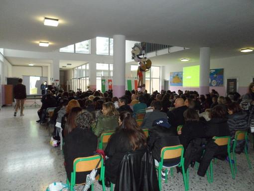 """Savona: un incontro dal titolo """"Conoscere internet ed i social network per proteggere noi e i nostri figli"""""""