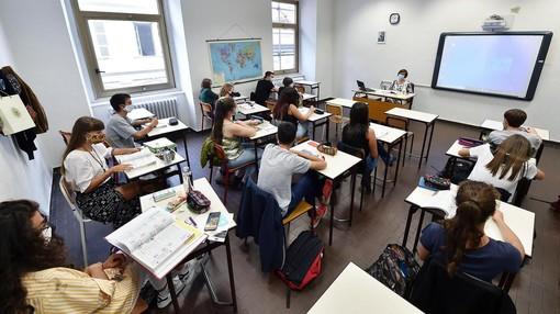 """Scuola e Covid, il pediatra Ferrando: """"Le classi sono il luogo più sicuro"""""""