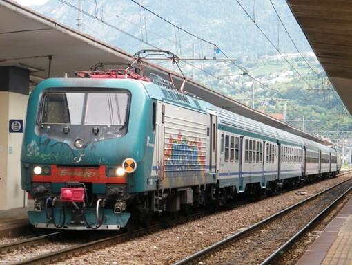 Rissa sul treno regionale: circolazione ferma per circa 30 minuti