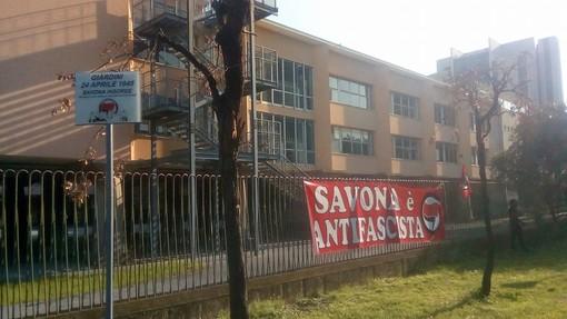 """Coordinamento Antifascista Savona: """"Il comune ha rimosso la targa donata per ricordare la Liberazione"""""""