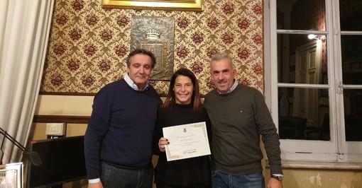 L'ex calciatore Corrado Grabbi turista fedele di Alassio: la sorella Silvia ricevuta in comune (FOTO)