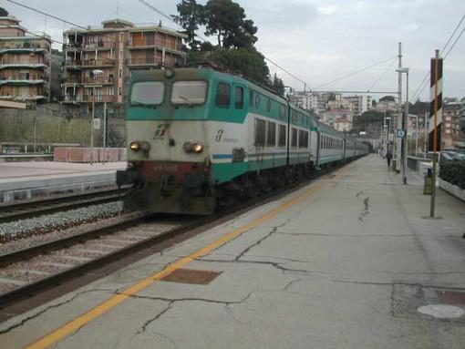 """Il PCI: """"Personale addetto a pulizia treni liguri non percepisce lo stipendio da settembre"""""""