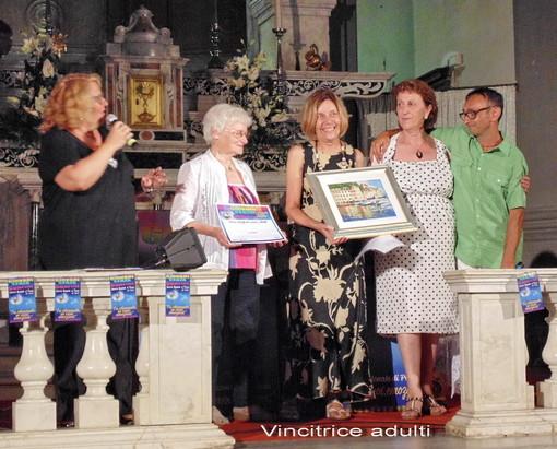 """Caterina Rizzo si aggiudica il concorso di poesia """"Giovani Senza Confini"""" di Alpicella"""