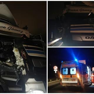 Borghetto S. Spirito, incidente sulla A10: coinvolti due mezzi pesanti (FOTO)