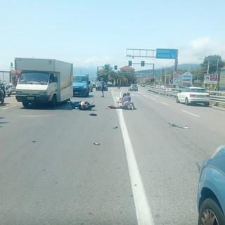 Borgio Verezzi, scontro auto-moto sull'Aurelia: un ferito al Santa Corona in codice rosso
