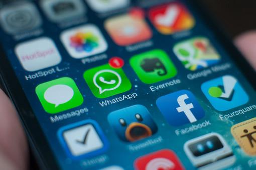 """Truffa del codice di WhatsApp a Roccavignale, l'allarme del sindaco Fracchia: """"Non inviate nulla a nessuno!"""""""