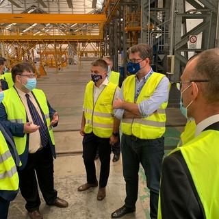 Il ministro Giorgetti in visita al sito Bombardier gruppo Alstom di Vado Ligure