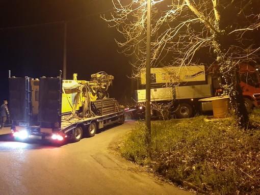 Savona, camion a rimorchio incastrato sul Maschio: intervento dei vigili del fuoco (FOTO e VIDEO)
