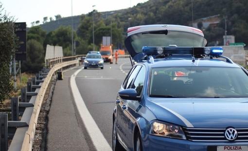 Asfalto bagnato, scontro tra due veicoli sull'A10 nei pressi di Albisola
