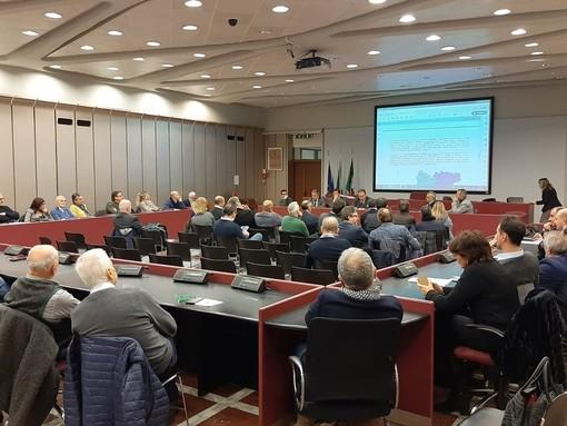 L'assemblea dei sindaci che ha optato per un ambito territoriale unico nella gestione dei rifiuti