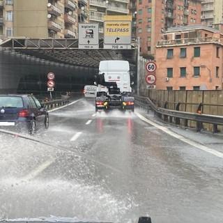 Maltempo in Liguria: caos sulle autostrade (FOTO)