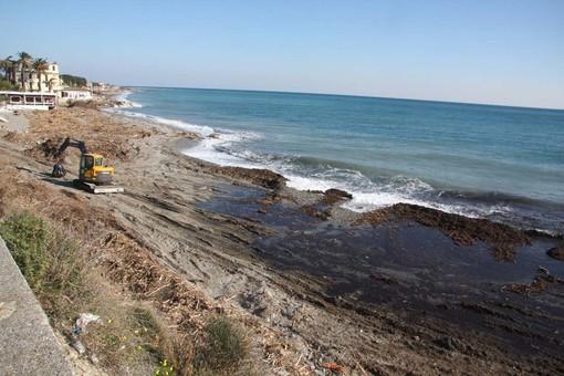 """Erosione della spiaggia ad Alassio, la soluzione il """"Tecnoreef"""""""