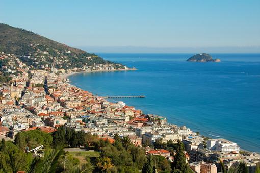 Vacanzieri di agosto: tra buon cibo e bandiere blu la Liguria attrae sia italiani sia stranieri