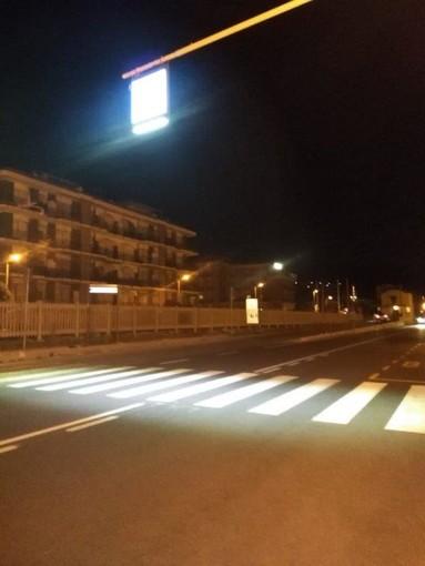 Pietra Ligure, attraversamenti pedonali illuminati a led lungo la via Aurelia