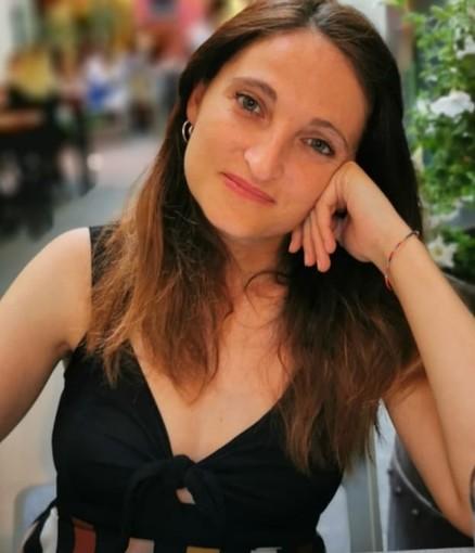 """L'artista loanese Alessandra Munerol: """"Attraverso Youtube racconto le Metamorfosi della vita"""""""