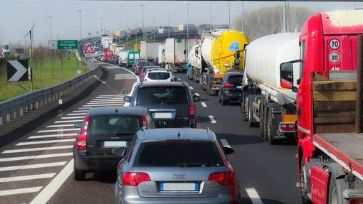 """Autostrade, futuro con meno Benetton e più Stato. Toti: """"Tanto rumore a spese degli italiani"""". Tosi (M5S): """"Aspi pagherà il conto per i mancati investimenti"""""""